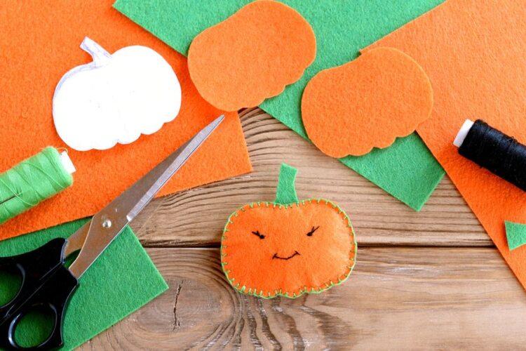 best-halloween-crafts-for-kids-1568214431